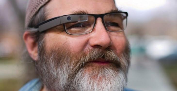 Google Glass s'associe avec l'entreprise qui conçoit les lunettes Oakley et Ray-Ban