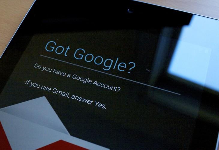 Une nouvelle interface en noir pour l'application de recherche Google Now !