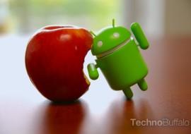 Google et Apple se préparent à la bataille des assistants personnels contrôlés par le voix