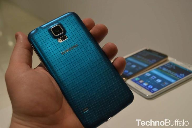Oui, il y a bien un bug avec l'appareil photo du Galaxy S5