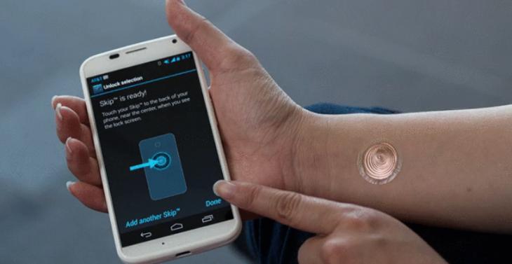 Les tatouages digitaux peuvent désormais déverrouiller votre Moto X
