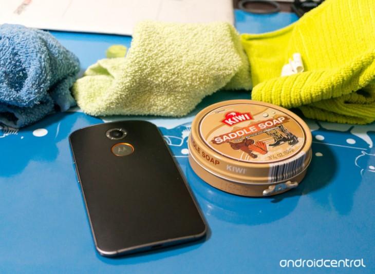 Comment nettoyer la façade en cuir de votre Moto X