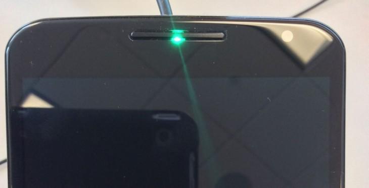 Le Nexus 6 possède un LED à 3 couleurs, mais ce n'est pas pour les notifications