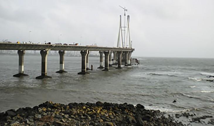 Des zones interdites aux Selfies à Mumbai après la mort d'une jeune de 18 ans