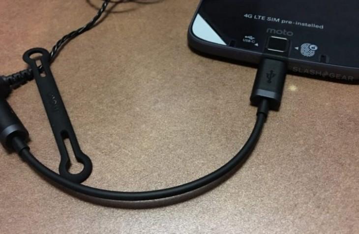 La prise Jack 3,5mm du Moto Z est supprimée, remplacée par un dongle USB