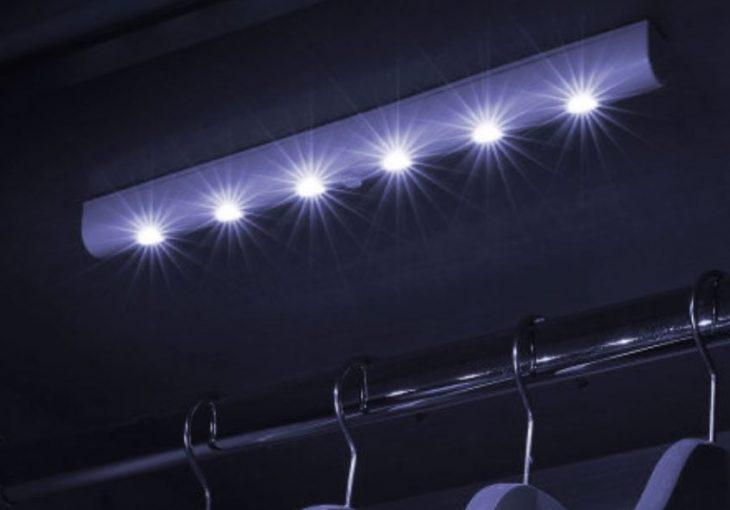 Test de la Bande à  LED AGL avec détecteur de mouvement